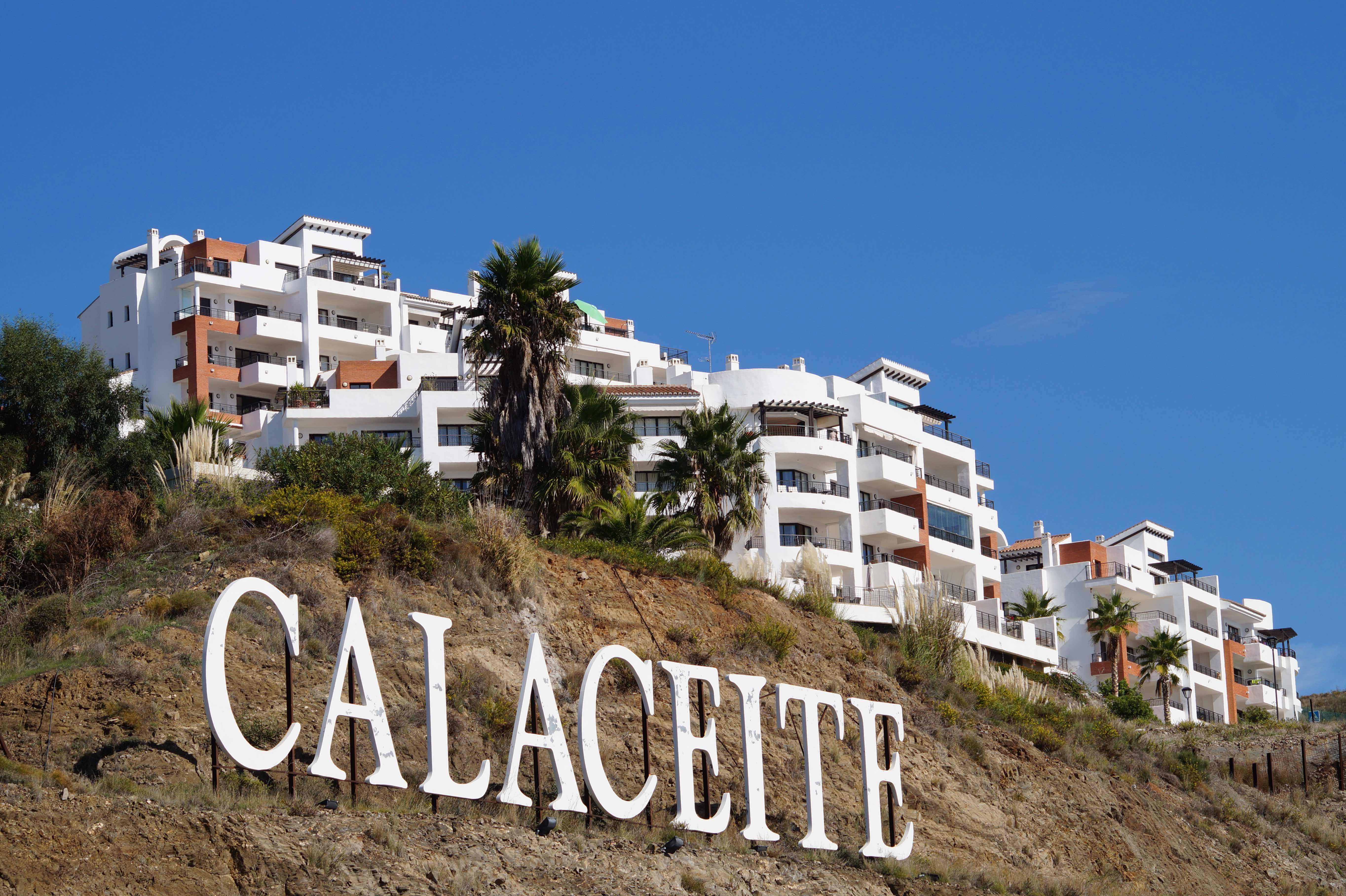 Blick auf die Apartment-Anlage Fuerte Calaceite, Torrox Costa