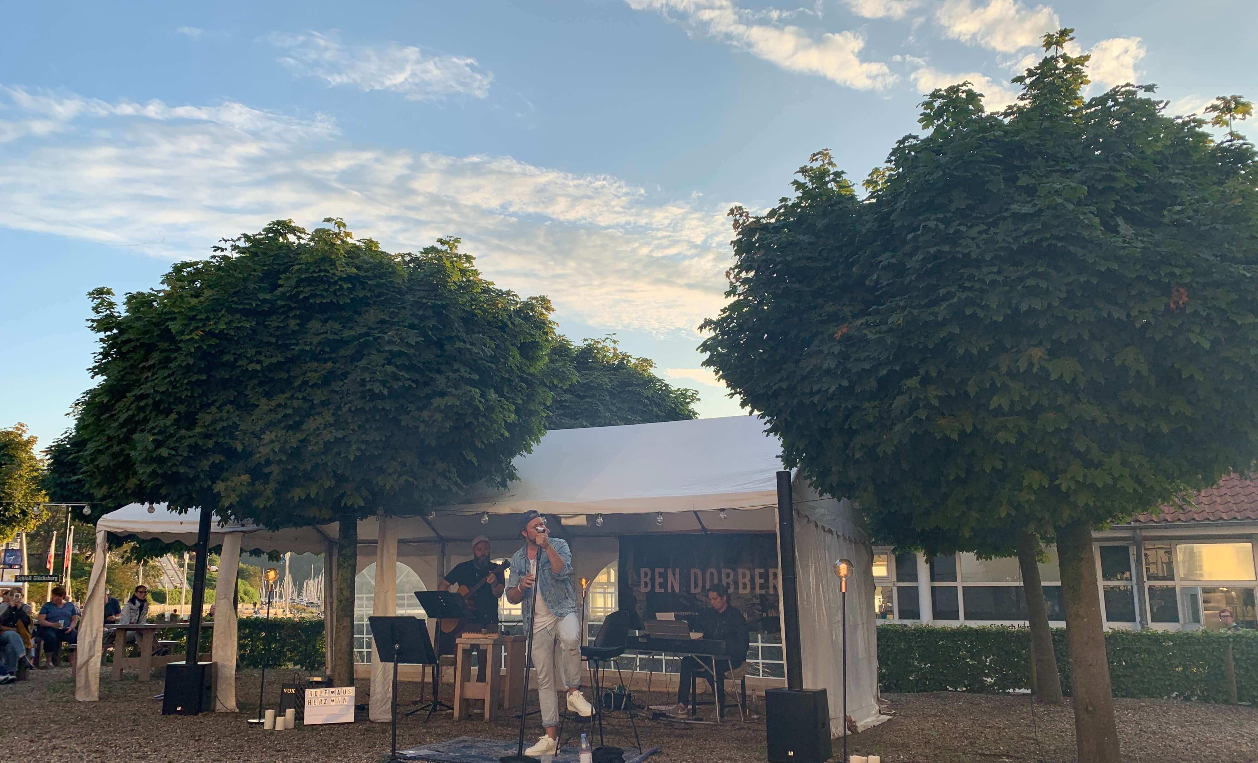 Glücksburg Strandhotel, Garten , Live-Konzert